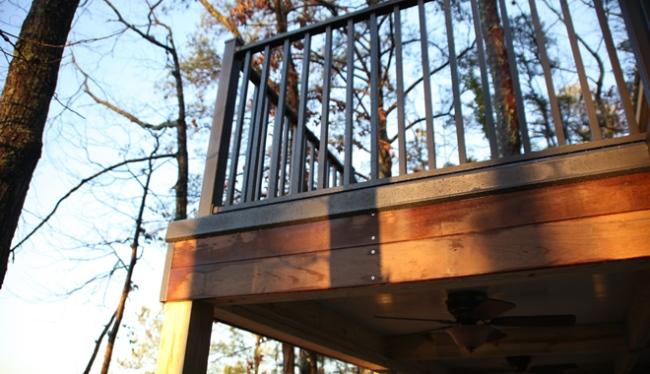 Wahoo Rail aluminum deck railing by Wahoo Decks
